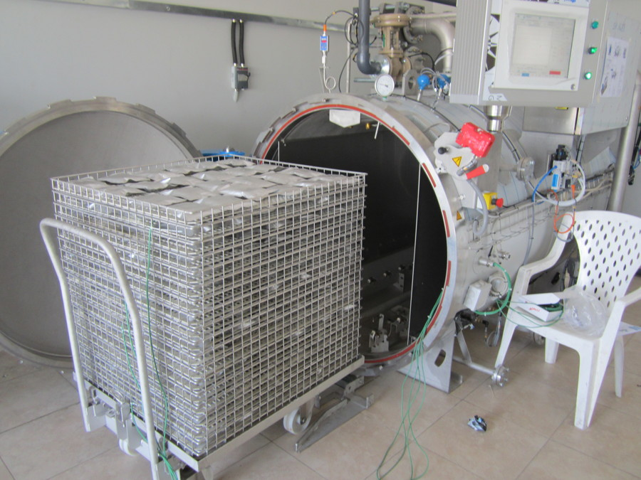 Autoclave Pilote for rental